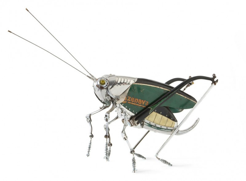 incredible-inspirational-insects-animals-miniature-sculptures-made-from-old-parts (4)