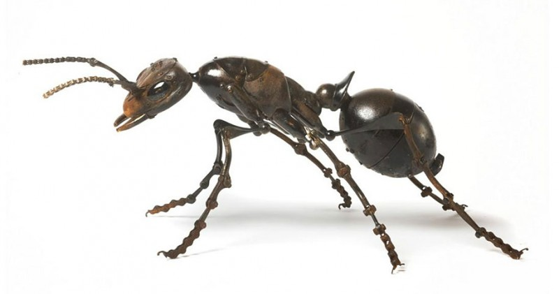 incredible-inspirational-insects-animals-miniature-sculptures-made-from-old-parts (5)