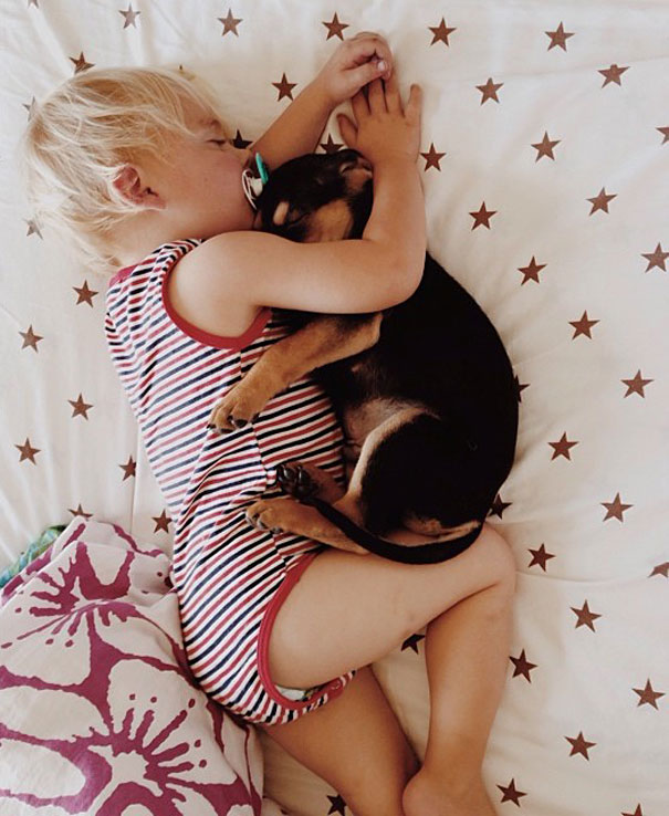 lovely-funny-cute-pictures-toddler-sleeping-with-puppy-dog (9)