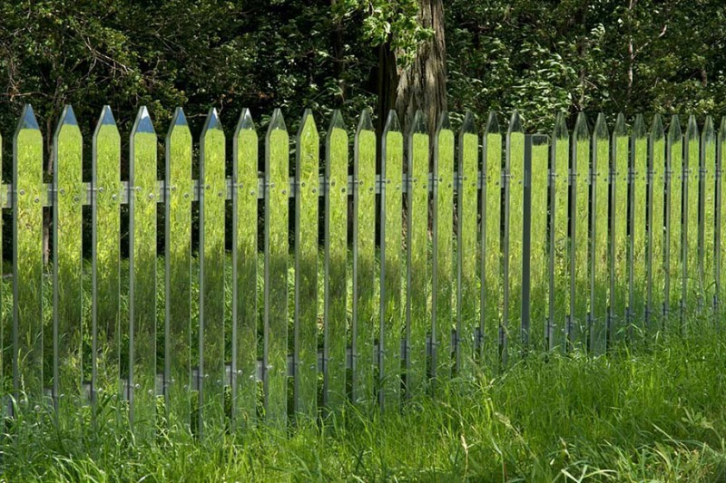 beautiful-mirror-picket-fence-innovative-design-ideas (1)