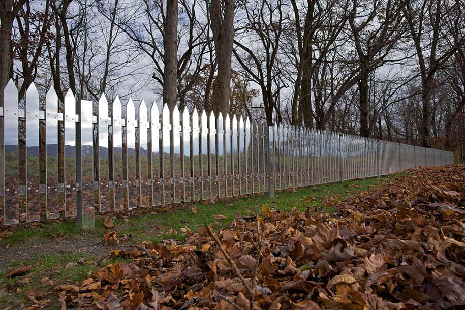 Invisible mirror fences reflecting the ever changing for Pretty fencing ideas
