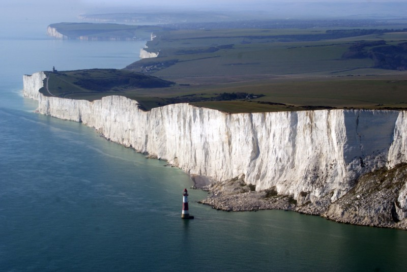 Beachy_Head_East_Sussex_England-white-cliff
