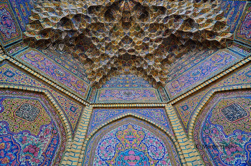 stunning-beautiful-nasir-al-mulk-mosque-shiraz-iran-stained-glass (1)