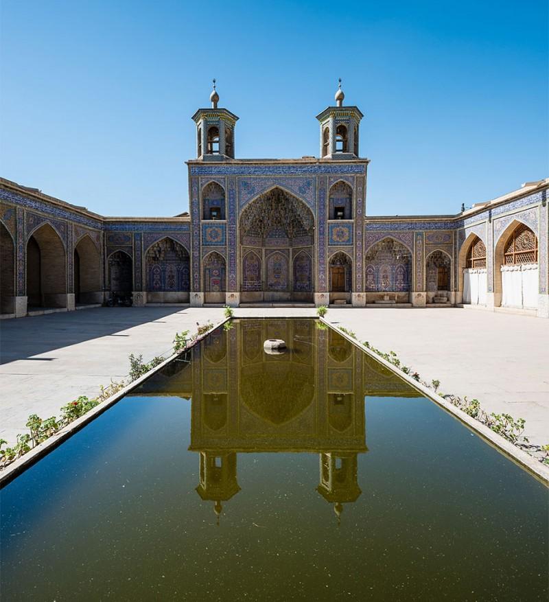 stunning-beautiful-nasir-al-mulk-mosque-shiraz-iran-stained-glass (2)
