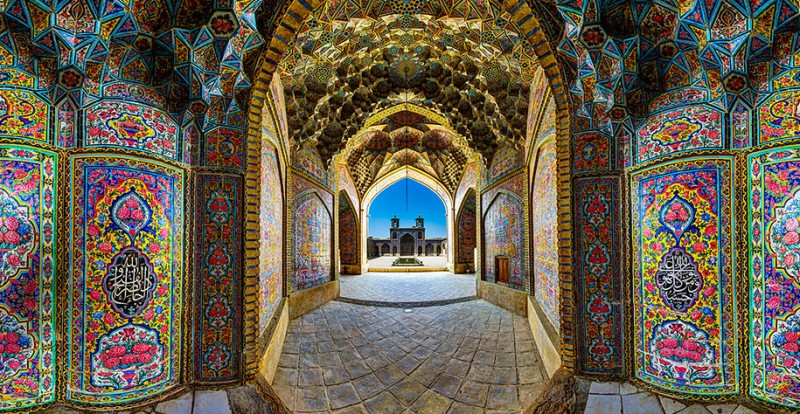 stunning-beautiful-nasir-al-mulk-mosque-shiraz-iran-stained-glass (9)