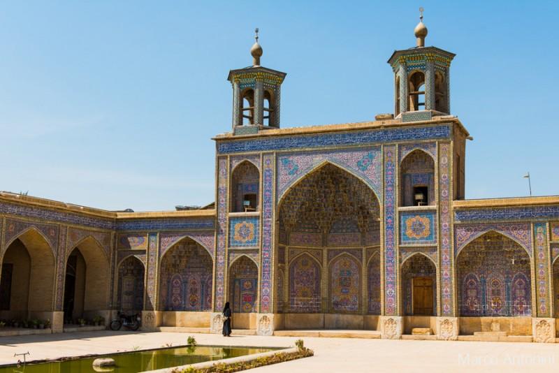 stunning-gorgeous-majestic-nasir-al-mulk-mosque-shiraz-iran