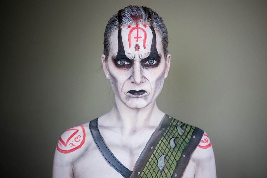 Impressive Makeup And Facepainting Characters By Selftaught - This self taught cosplay artist can turn herself into any character