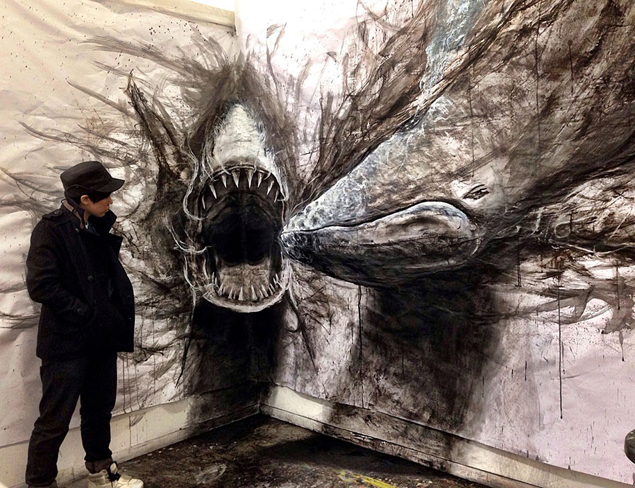 Eye popping dark three dimensional life sized drawings of for Make a photo look like a painting