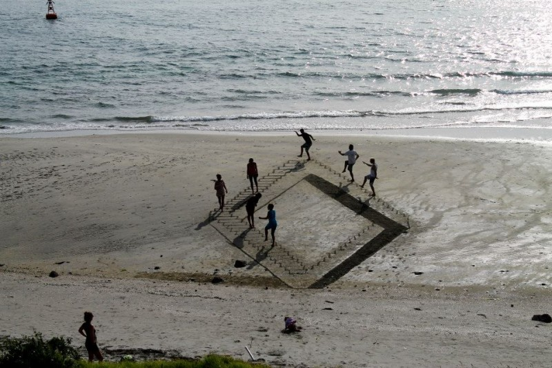 beautiful-cool-3D-sand-art-beach-drawings (5)