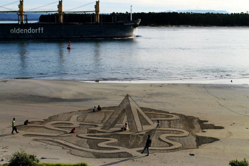 beautiful-cool-3D-sand-art-beach-drawings