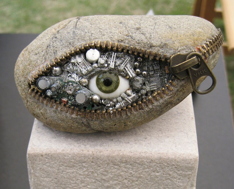 bizarre-surreal-stone-sculptures-impressive-work-of-art (8)