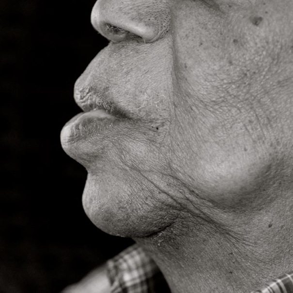 human-body-beauty-old-people-photography-black-and-white-pictures (10)