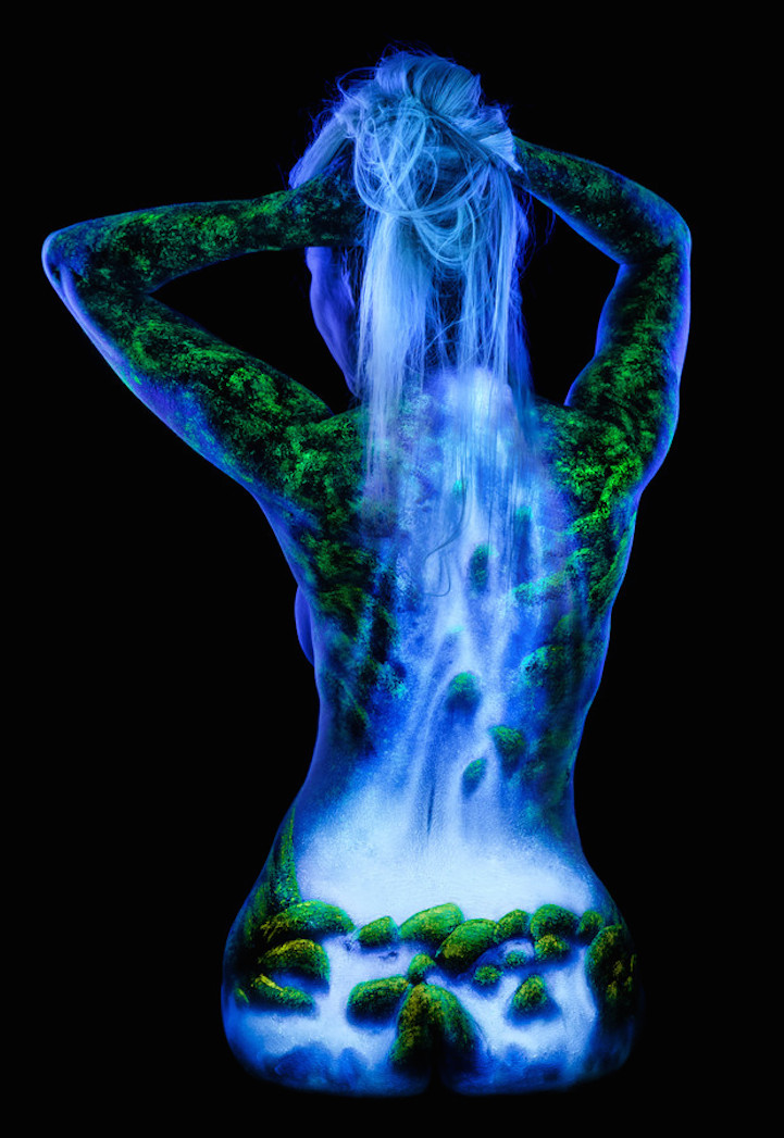 enchanting-fluorescent-body-paintings-spectacular-nature-scenes (1)
