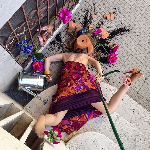 funny-hilarious-Darkly-humorous-photo-series-fallen-people (1)