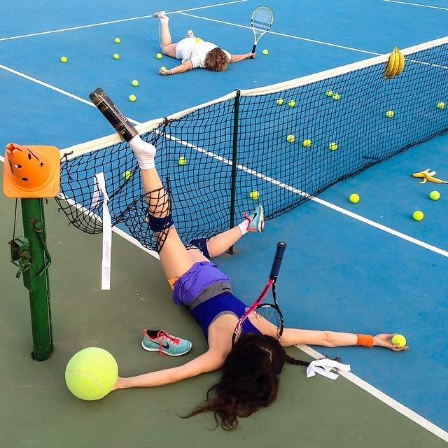 funny-hilarious-Darkly-humorous-photo-series-fallen-people