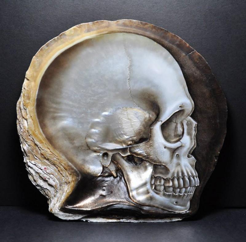 pearl-shell-human-skull-carving (6)