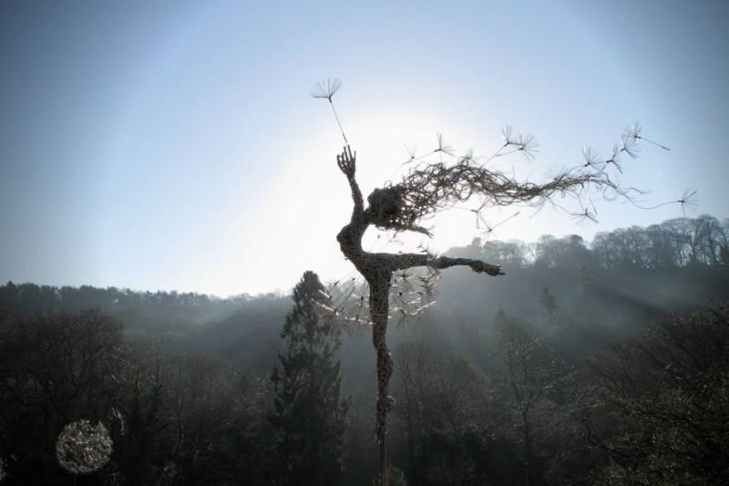amazing-beautiful-steel-wire-fairy-dandelion-sculptures (14)