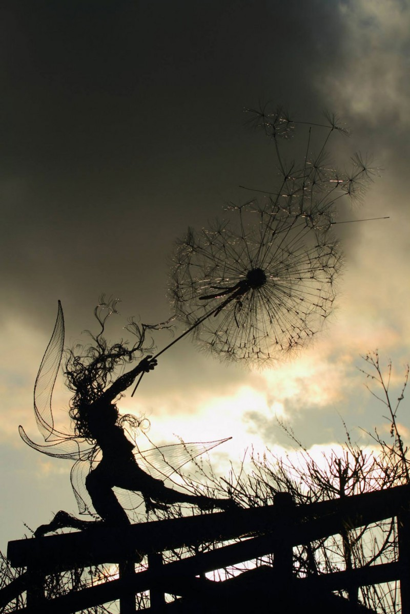 amazing-beautiful-steel-wire-fairy-dandelion-sculptures (2)