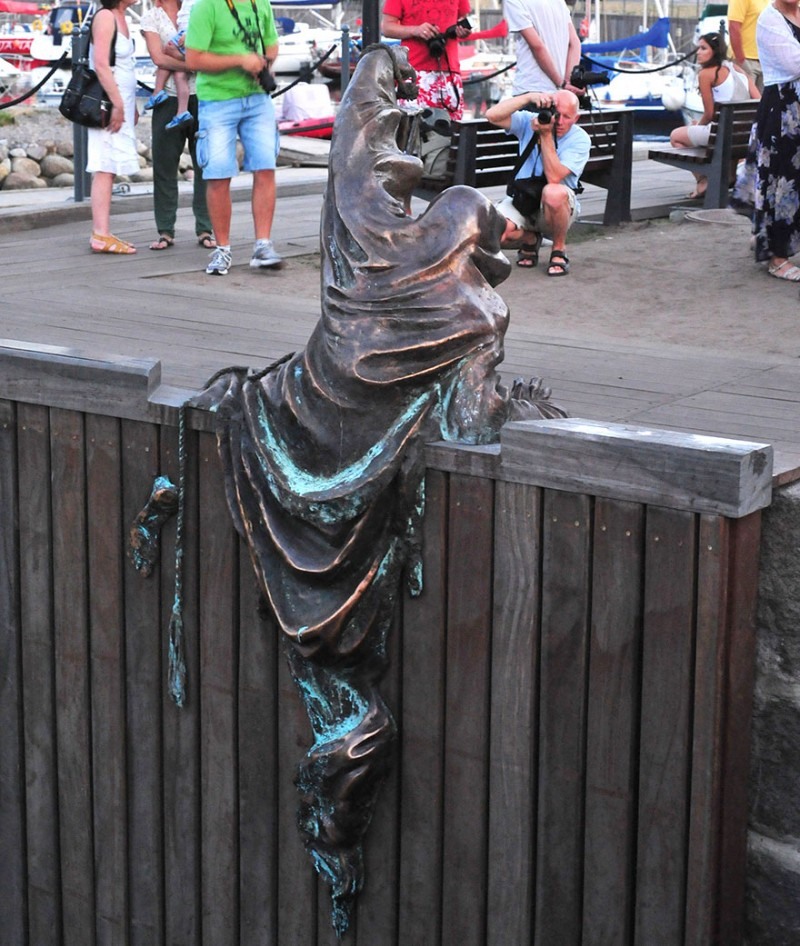 most-creative-stunning-artistic-impressive-sculptures-statues (13)