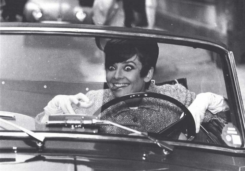 funny-interesting-audrey-hepburn-photographs