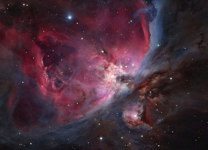 Astronomy-photographer-competition-star-sky-galaxy-spectacles (12)