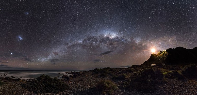 Astronomy-photographer-competition-star-sky-galaxy-spectacles (14)