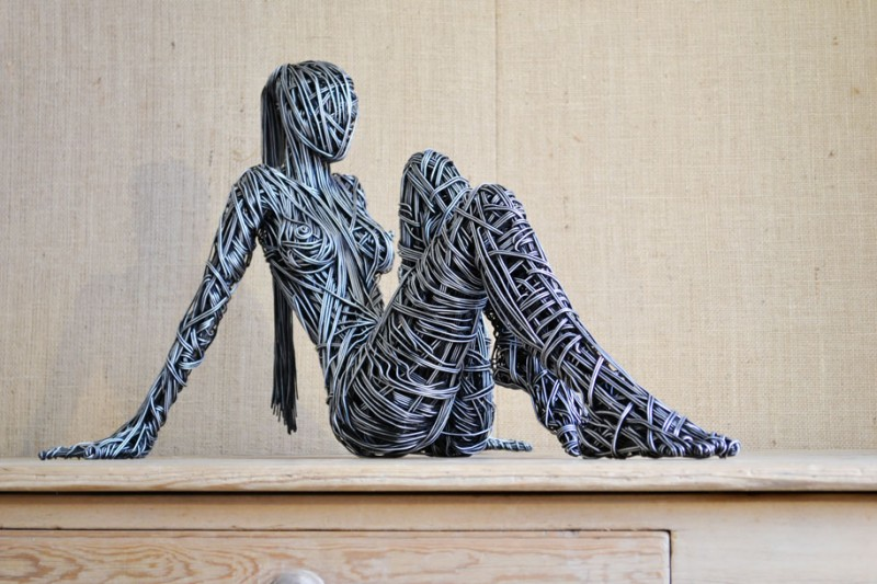 metal-wire-sculpture-human-shapes (2)