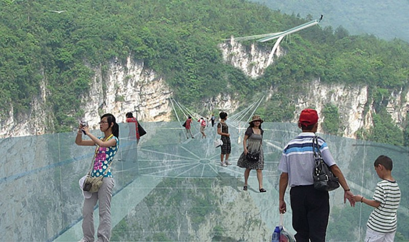 Longest-Highest-transparent-Glass-Bridge (3)
