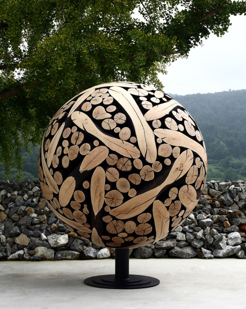 creative-elegant-discarded-wood-sculptures-art (1)