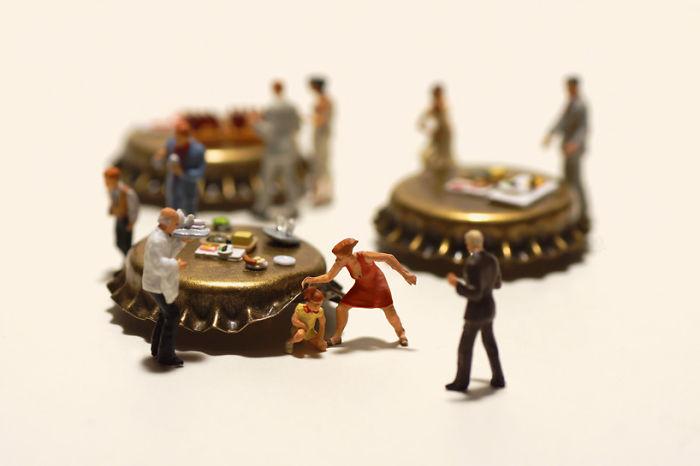 funny-miniature-diorama-art (16)