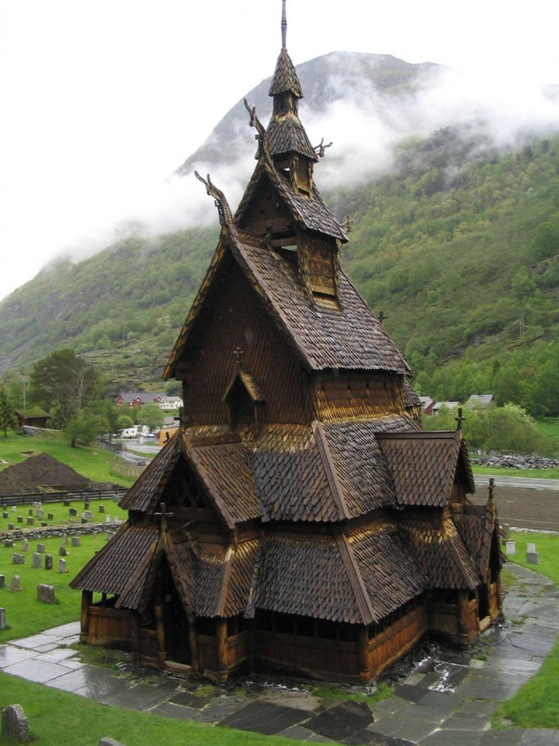 Traditional-Norwegian-architecture-fairy-tale-wooden-houses-Europe-style-buildings (10)