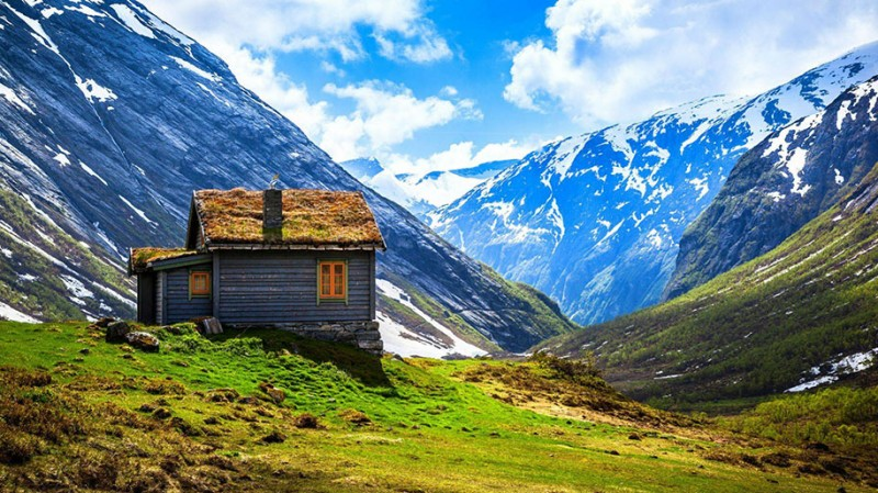 Traditional-Norwegian-architecture-fairy-tale-wooden-houses-Europe-style-buildings (16)