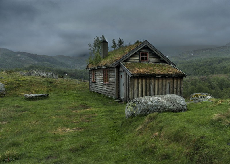 Traditional-Norwegian-architecture-fairy-tale-wooden-houses-Europe-style-buildings (17)