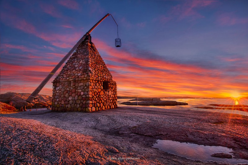 Traditional-Norwegian-architecture-fairy-tale-wooden-houses-Europe-style-buildings (7)