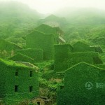 Lost village on the dreamlike archipelago – Abandoned fishing village in China being reclaimed by nature