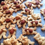 How to make adorable hugging bear cookies great for children