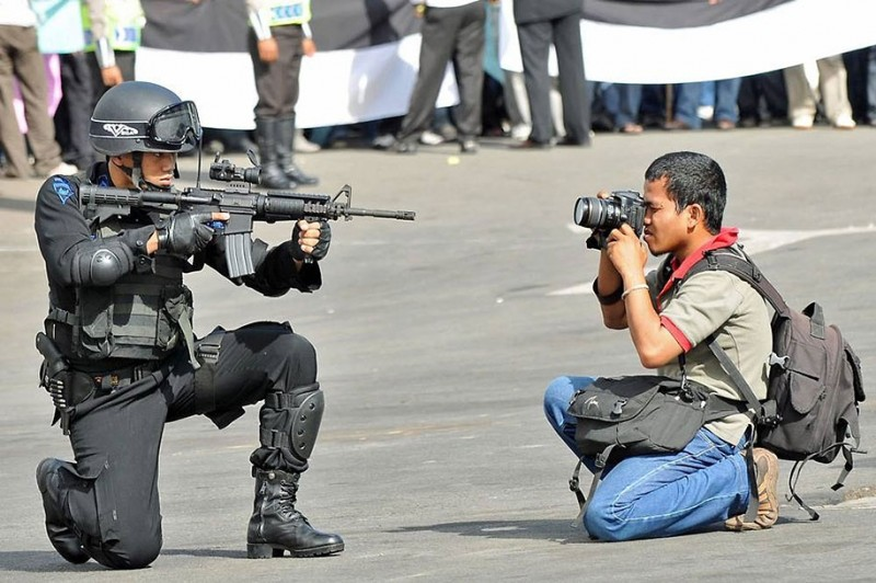 funny-dedicated-photographers-cool-photos (8)