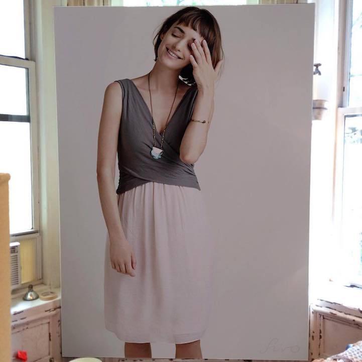 large-scale-lifelike-photorealistic-paintings-portraits (2)