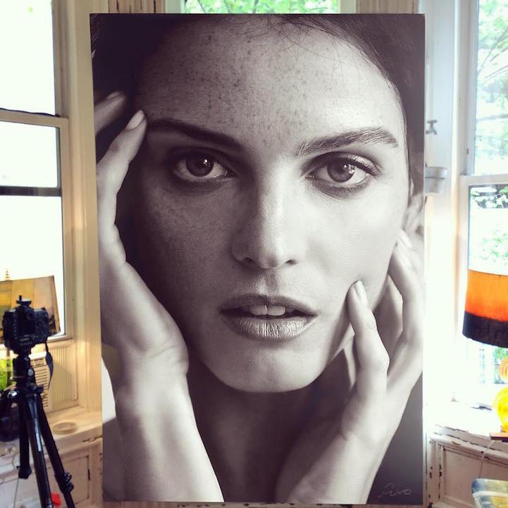 large-scale-lifelike-photorealistic-paintings-portraits (5)