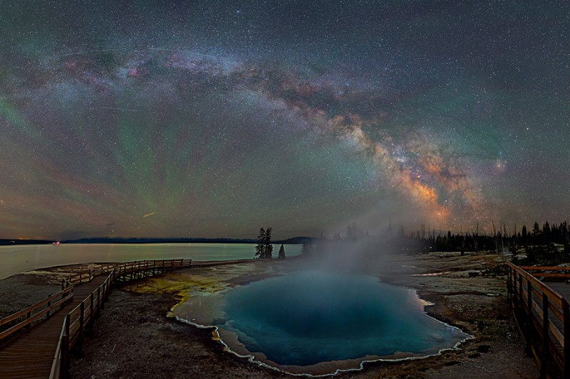 stunning-beautiful-milky-way-astro-photographs-yellowstone-park-sky (2)