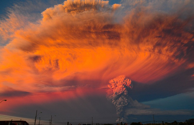 stunning-beautiful-spectacular-volcano-eruption-pictures-calbuco-chile (11)