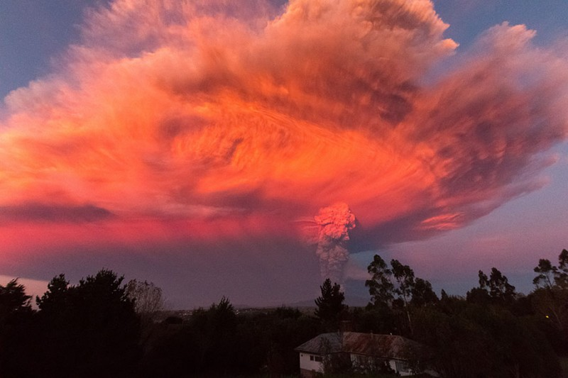 stunning-beautiful-spectacular-volcano-eruption-pictures-calbuco-chile (2)