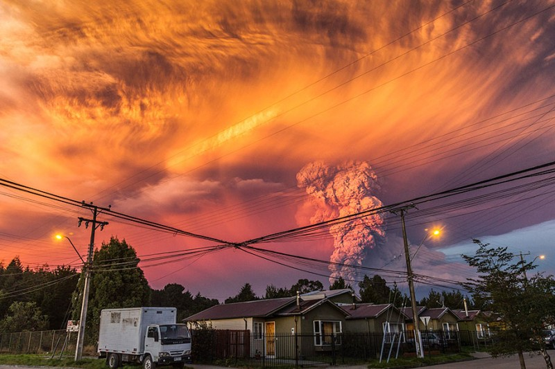 stunning-beautiful-spectacular-volcano-eruption-pictures-calbuco-chile (3)