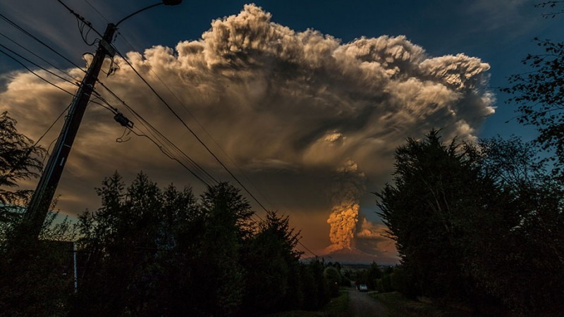 stunning-beautiful-spectacular-volcano-eruption-pictures-calbuco-chile (4)