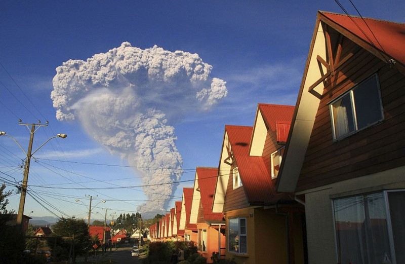 stunning-beautiful-spectacular-volcano-eruption-pictures-calbuco-chile (8)