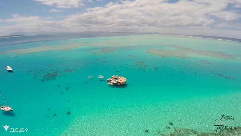 beautiful-drone-video-fiji-floating-bar -vacation-resort (1)