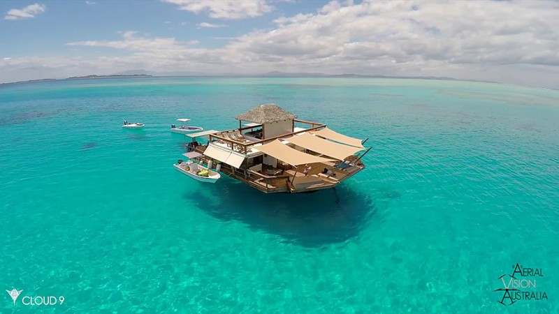 beautiful-drone-video-fiji-floating-bar -vacation-resort (2)