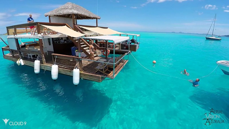 beautiful-drone-video-fiji-floating-bar -vacation-resort (5)