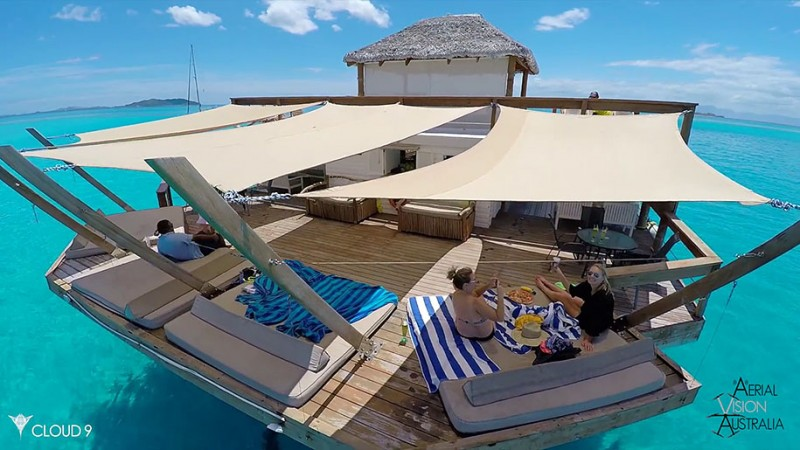 beautiful-drone-video-fiji-floating-bar -vacation-resort (6)
