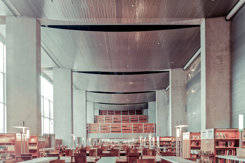 collection-worlds-most-beautiful-majestitc-libraries-photo-series (10)